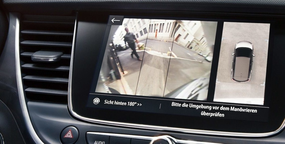 REAR VIEW CAMERA & PARKING ASSISTANT